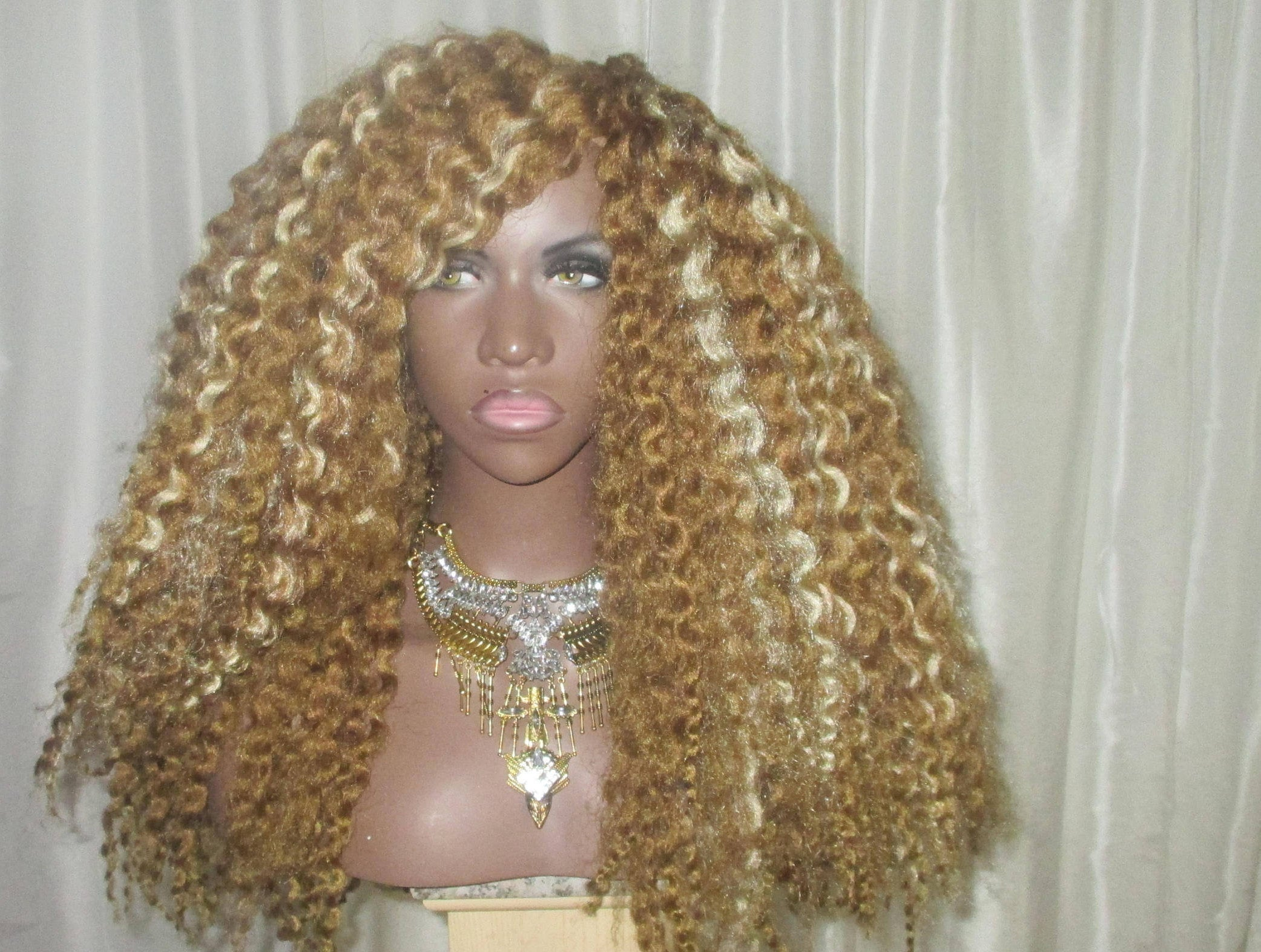 Essence Wigs Crochet Wig 'Sunny Mama' Twist Out (Long) Wig Blonde Curly BIG Hair