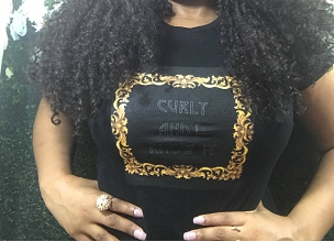Kinky Kulture Collection Tee T-Shirt by Essence Wigs 'Curly and I Know It